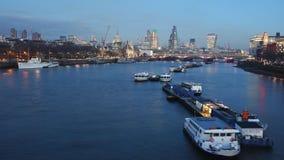 London-Skyline, Nachtansicht Stockbild