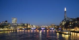 London-Skyline, umfassen Blackfriars-Brücke, die Scherbe Lizenzfreies Stockbild