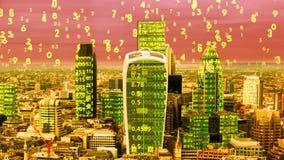 London-Skyline und Datencode stockfotografie