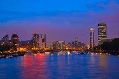 London solnedgång på Thames River nära Big Ben arkivfoto