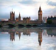 London solnedgång Stora Ben och hus av parlamentet, London Fotografering för Bildbyråer