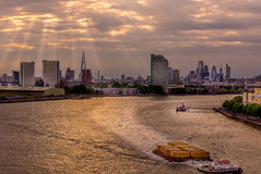 London-Sonnenstrahlen Stockbilder