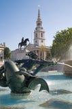 London - springbrunn på den Trafalgar fyrkanten Royaltyfri Fotografi