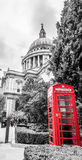 London-St. Pauls Phone Box Lizenzfreie Stockbilder
