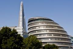 London stadshus och nytt skärvan Arkivbilder