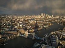 London-Stadt ungefähr zum Regen Stockfoto