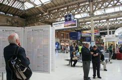 london station victoria royaltyfri bild
