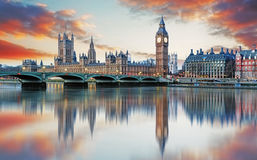 London - stora ben och hus av parlamentet, UK Arkivbild