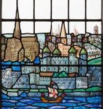 LONDON STORBRITANNIEN - SEPTEMBER 18, 2017: Alla den gamla London på målat glass in kyrktar välsignar Royaltyfria Bilder