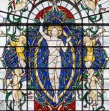 LONDON STORBRITANNIEN - SEPTEMBER 14, 2017: Den återuppväckte Jesus Christ på målat glass i kyrkaSt Lawrence Jewry Arkivbilder