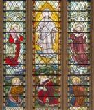 LONDON STORBRITANNIEN - SEPTEMBER 14, 2017: Omgestaltningen av Herren på målat glass i kyrkaSten Catharine Cree Royaltyfri Bild