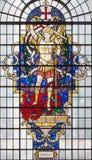 LONDON STORBRITANNIEN - SEPTEMBER 14, 2017: St Michael ärkeängeln på målat glass i kyrkaSt Lawrence Jewry Fotografering för Bildbyråer
