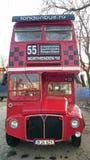 London symbol: den dubbla däckaren Arkivbilder