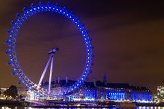 London synar på natten Royaltyfri Bild