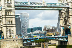 london thames torn Royaltyfri Bild