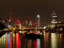 London Themse, Lambeth-Brückenbereich, der in Richtung des Südens, Aug blickt stockfoto
