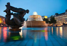London  Trafalgar square at nighttime Royalty Free Stock Images