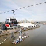 London-Transport-Emirat-Luftverkehrslinie, Drahtseilbahn Londons Themse Lizenzfreie Stockfotos