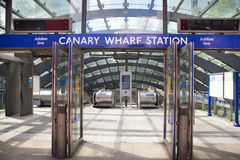 London tube, Canary Wharf station, Stock Images