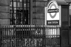 London tunnelbana - bankstation - LONDON - STORBRITANNIEN - SEPTEMBER 19, 2016 Royaltyfria Foton