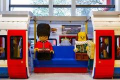 London tunnelbana som byggs från LEGO Bricks Arkivbild