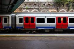 London-U-Bahn-Zug Stockfoto