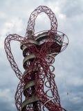 LONDON/UK - 13 ΜΑΐΟΥ: Το γλυπτό τροχιάς ArcelorMittal στο Qu Στοκ Φωτογραφίες