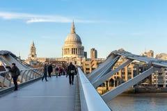LONDON/UK - 18 ΦΕΒΡΟΥΑΡΊΟΥ: Καθεδρικός ναός του ST Paul στο Λονδίνο σε Febru Στοκ Εικόνα