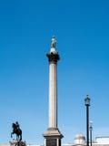 LONDON/UK - 15-ОЕ АВГУСТА: Взгляд статуи и столбца Нельсона в Tr Стоковое Изображение
