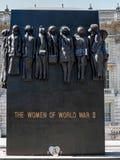 LONDON/UK - 15-ОЕ АВГУСТА: Женщины статуи Второй Мировой Войны в Whit Стоковые Фотографии RF