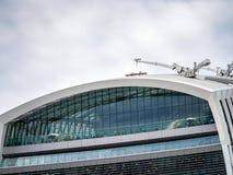 LONDON/UK - 12-ОЕ СЕНТЯБРЯ: Люди наслаждаясь садом неба в Lon Стоковые Изображения