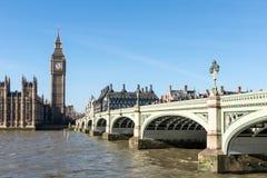 LONDON/UK - 18-ОЕ ФЕВРАЛЯ: Взгляд большого Бен и домов Parl Стоковое фото RF