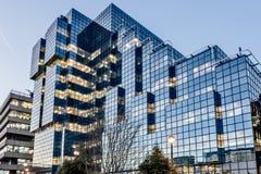 LONDON/UK - 18-ОЕ ФЕВРАЛЯ: Взгляд современного здания в Лондоне o Стоковое фото RF
