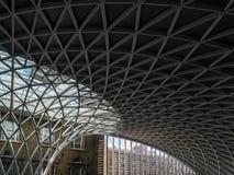 LONDON/UK - 24-ОЕ ФЕВРАЛЯ: Короля Крест Станция в Лондоне на Febru Стоковые Фото
