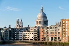LONDON/UK - 18-ОЕ ФЕВРАЛЯ: Собор St Paul в Лондоне на Febru Стоковые Изображения RF