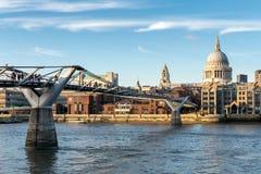 LONDON/UK - 18-ОЕ ФЕВРАЛЯ: Собор St Paul в Лондоне на Febru Стоковая Фотография RF