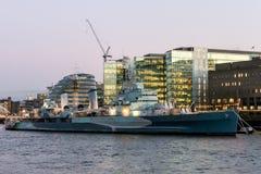 LONDON/UK - 18-ОЕ ФЕВРАЛЯ: HMS Белфаст в Лондоне 18-ого февраля, Стоковые Фото