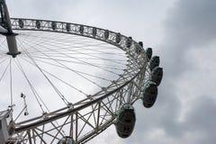 LONDON UK - APRIL 9, 2013: En sida av det London ögat arkivfoton