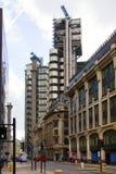 LONDON UK - APRIL 24, 2014: Stad av London en av den leda mitten av global finans, högkvarter för ledande banker, insuranc Arkivfoto