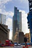 LONDON UK - APRIL 24, 2014: Stad av London en av den leda mitten av global finans, högkvarter för ledande banker, insuranc Arkivbilder