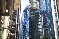 LONDON UK - APRIL 24, 2014: Stad av London en av den leda mitten av global finans, högkvarter för ledande banker, insuranc Fotografering för Bildbyråer