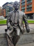 London UK - April 17 2018: Statyn av Sir Simon Milton grundar i köpmannen Square, London royaltyfri foto