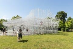 LONDON, UK - AUGUST 01: Park visitors enjoying the sunny weather Royalty Free Stock Photos