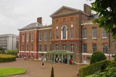 LONDON UK - Augusti 18, 2017: Kensington slott Royaltyfria Bilder