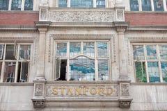 LONDON UK - AUGUSTI 14, 2010: shoppar berömda översikter i London Royaltyfri Fotografi