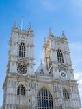 LONDON/UK - AUGUSTI 15: Sikt av yttersidan av den Westminster abben Arkivfoton