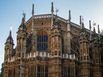 LONDON/UK - AUGUSTI 15: Sikt av yttersidan av den Westminster abben Arkivbild