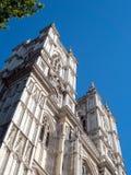 LONDON/UK - AUGUSTI 15: Sikt av yttersidan av den Westminster abben Royaltyfri Fotografi