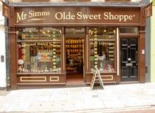 London UK - Augusti 17, 2010: utvändig sikt av en oldstyle sötsak royaltyfri fotografi