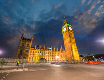 London UK. Bedöva sikt av den Westminster slotten. Hus av Parli Royaltyfri Bild